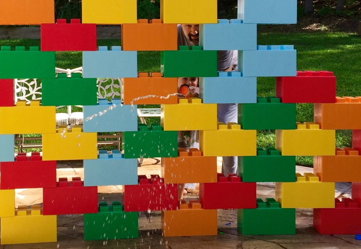 Jugando con Legos gigantes